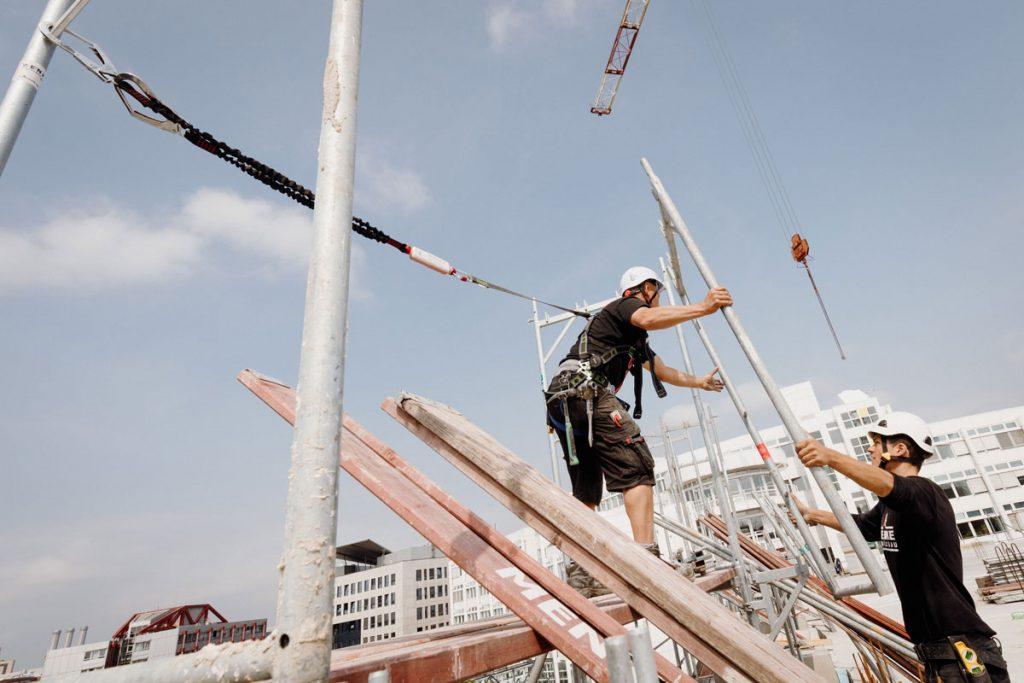 Akrobatik ohne doppelten Boden, darum unbedingt und nur mit Seil!